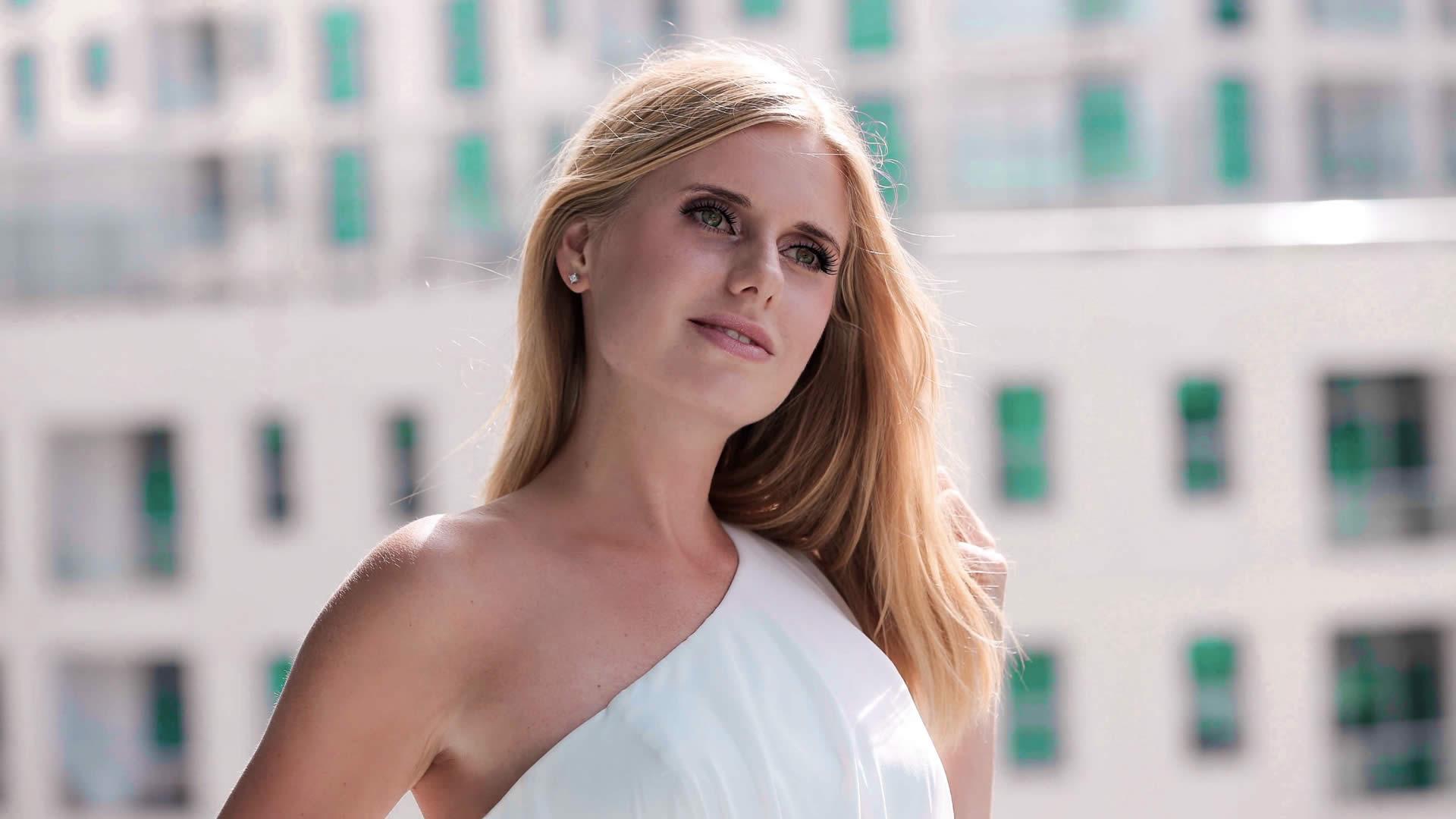 Olya Popova | Booking & Contact